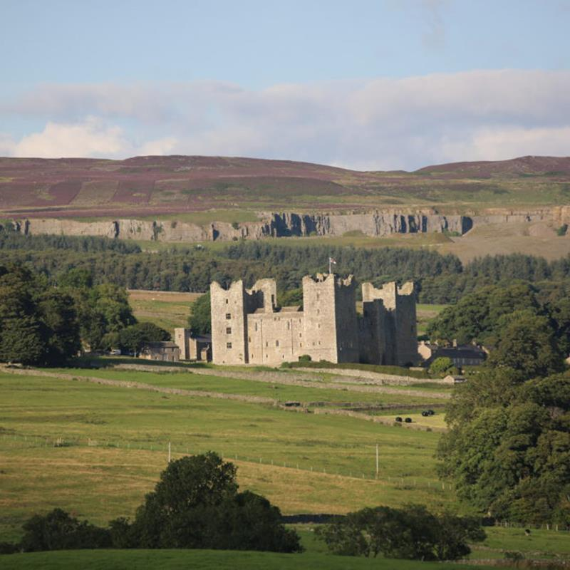 Guided Walk: Wensleydale Views and History