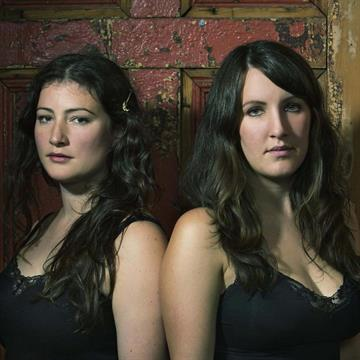 /Portals/0/NADevEventsImages/The Unthanks - Rachel and Becky pic1 credit Andy Gallacher copy sq_200.jpg